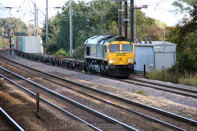 66572 1721/4E49 Ipswich-Scunthorpe approaches Tallington crossing.