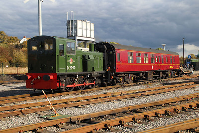 D2090 (03090) and 35486 support coach Shildon 20/10/12.