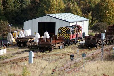 08711 and 08500 sit outside Tees Yard Wagon WRD  20/10/12.