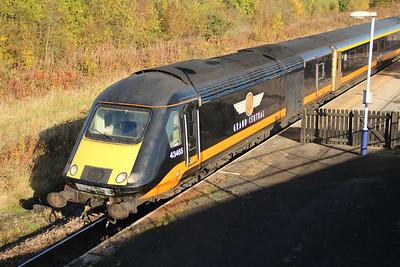 43465 1035/1N90 Kings X-Sunderland pauses at Eaglescliffe  20/10/12.