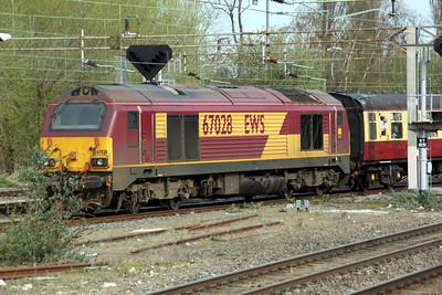 70000 'Britannia' TnT 67028 0950/1z90 Euston-Chester Departs Northampton after a 20 min stop.