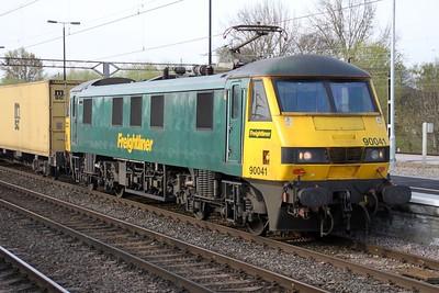 90041 0753/4m45 Ipswich-Basford Hall passes through Northampton Station 14/04/12