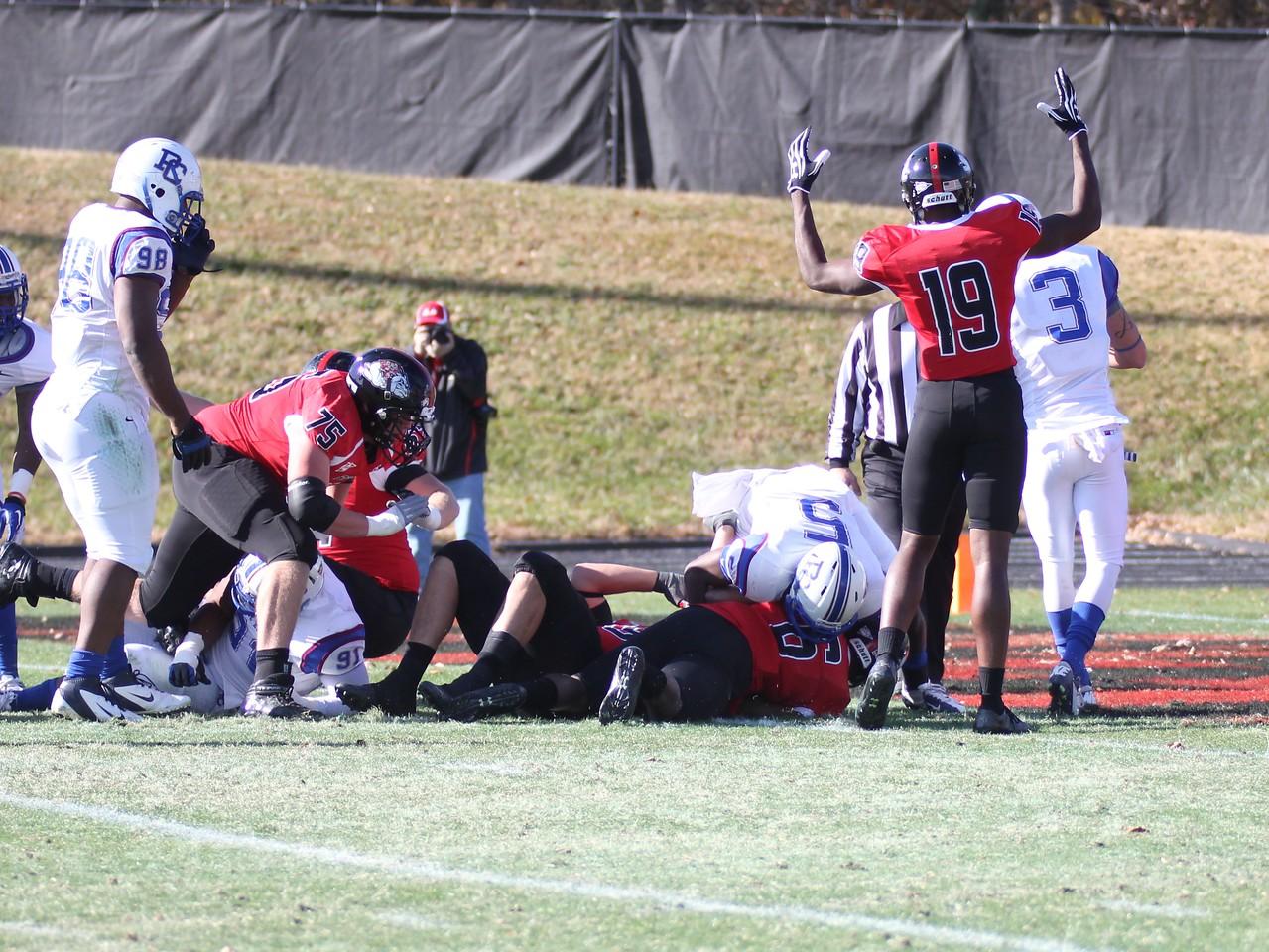 Gardner Webb's Kenny Little (6) makes a Touchdown for the Runnin' Bulldogs