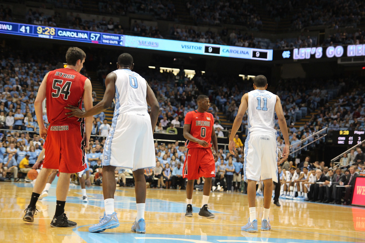 Mens Basketball team faces off against UNC at Chapel Hill