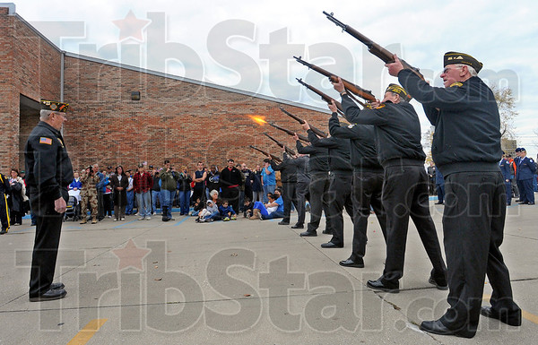 MET111112veterans guns
