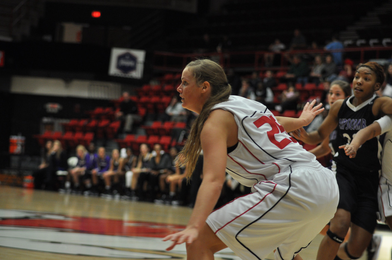 Tabby Koerner defends against Lipscomb University, Friday November 9, 2012 in the LYCC.
