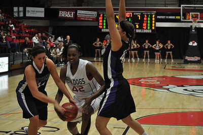 Alicia Quinn drives to the basket against Lipscomb University, Friday November 9, 2012 in the LYCC.