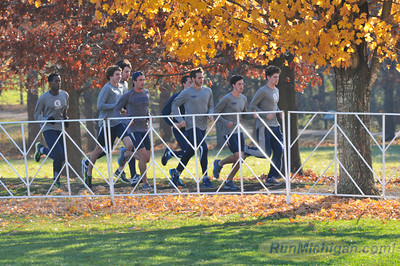 Runners from Georgetown University get in a run the day before the race at the 2012 NCAA Division One Cross Country Championships in Louisville, KY. (RunMichigan.com/Dave McCauley)