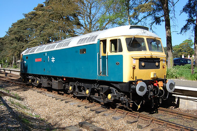 47596 'runs round at Holt after arriving with 2M38 from Sheringham (26/05/2012)