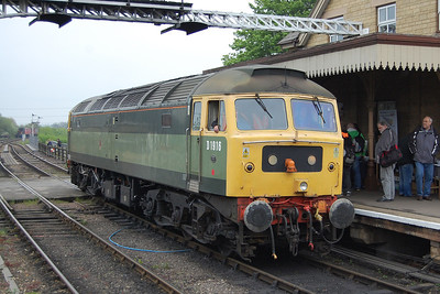Riviera Trains' 47812 is attached to the rear of the 1505 Wansford-Peterborough prior to being hauled to Yarwell Junction by D9520 (19/05/2012)