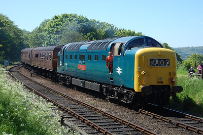 55019 arrives at Weybourne with 2C29 1351 Holt-Sheringham (26/05/2012)