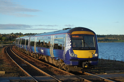 170426 arrives into Montrose with ScotRail's 1A41 0530 Edinburgh to Aberdeen service (08/09/2012)