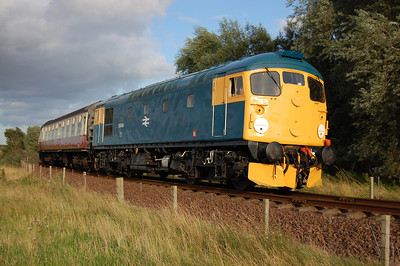 A quick sprint along the waterfront enabled this second shot of 26038 on the approach to Kinneil with the 1810 ex-Bo'ness (02/09/2012)