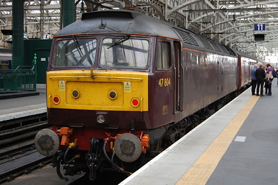 To round off a surreal few days, 47804 is pictured on arrival at Glasgow Central with Compass Tours' 1Z65 0605 charter from Holyhead (07/09/2012)