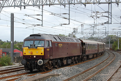 47237 approaches Pailsey Gilmour Street with 1H87 0746 Bridge of Orchy-Wemyss Bay 'Royal Scotsman' (02/09/2012)