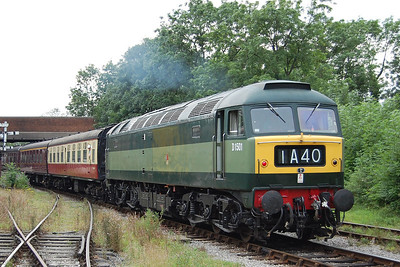 47402 also saw extensive use both on its own and top-and-tail (with 47401+47749) and is seen here departing Butterley for the final time with a shuttle for Swanwick Junction (19/08/2012)