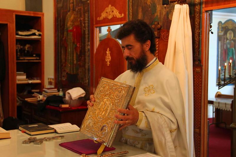 Pentecost 2012 (4).JPG