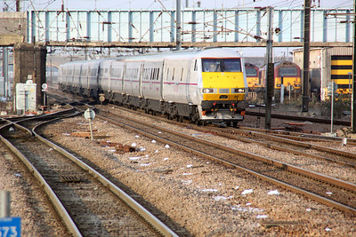 82213 at 1453 to Kings Cross.