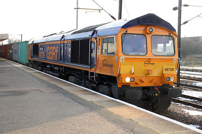 66729 at 1519-4e33 Felixstowe-Doncaster