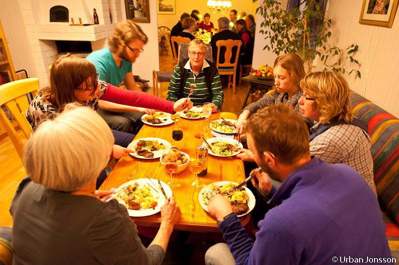 Vi fick äta i två grupperingar.