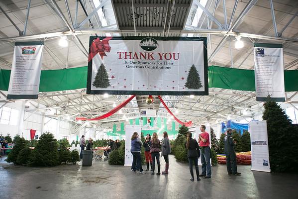 2012.11.30 The Guardsmen Tree Lot Kids Day