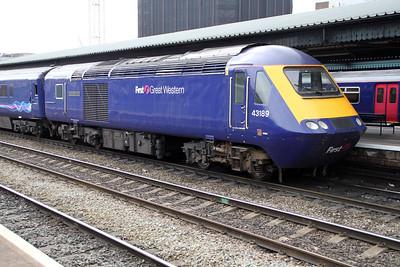 43189 in Platform 7 to Paddington.