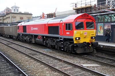 59201 0804/7v82 Crawley-Merehead passes Reading.