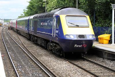 43091 passes Reading West.