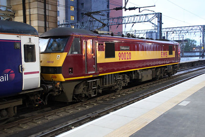 90020 at Glasgow Central awaits departure with the 1m11 Glasgow-Euston sleeper.