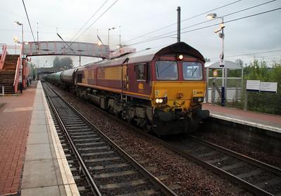 66016 2051/6m34 Grangemouth-Dalston passes Whifflett.
