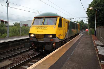 90049 2050/0L89 Mossend-Coatbridge FLT passes Whifflett.