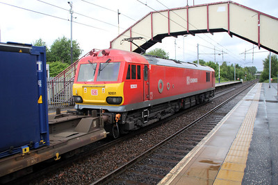 92031 1453/4s43 Daventry-Mossend passes Holytown 04/07/12.