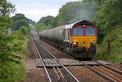 66016 1304/6s36 Dalston-Grangemouth approaches Greenfaulds Station.
