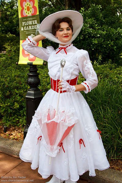 WDW April 2011 - Meeting Mary Poppins