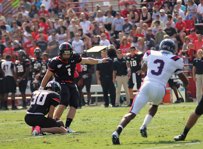 Trevor Austin, 1 makes an attmept at a field goal.
