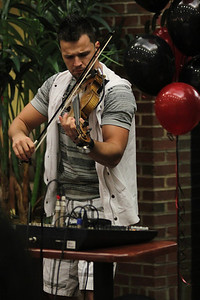 Bulgarian hip-hop violinist Svet performs for GWU in the Tucker Student Center on September 27.