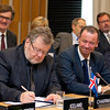 Össur Skarphéðinsson, Minister for Foreign Affairs and External Trade, Iceland, signing the Joint Declaration on Cooperation between Pakistan and the EFTA States on 12 November 2012, Geneva. (Photo: EFTA)