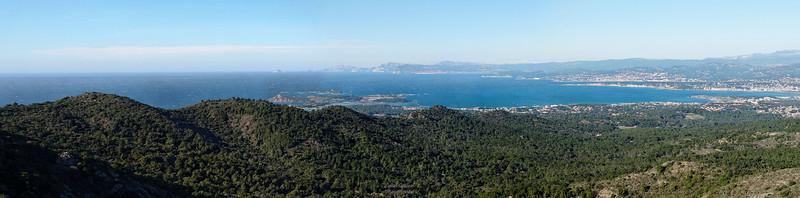 Baie de Sanary, Les Embiez et village du Brusc