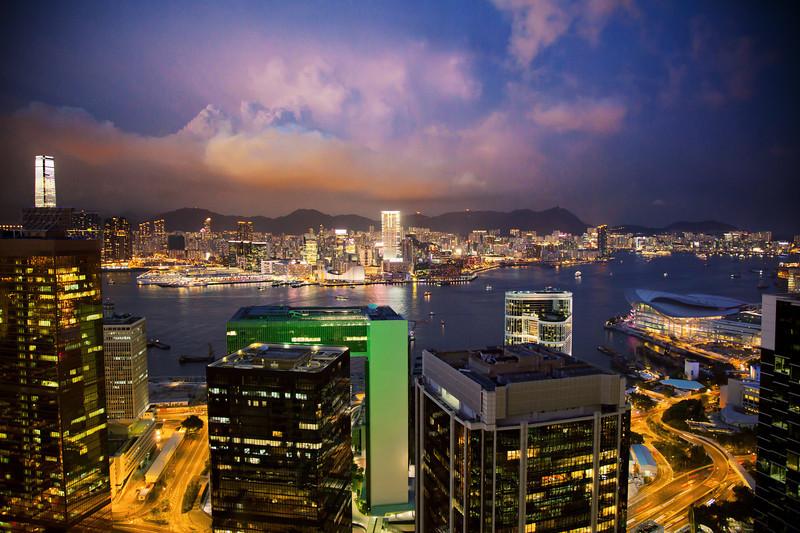 hong kong harbour thunderstorm