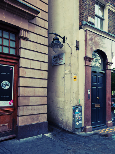 narrowest street in london b