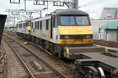 90048_90043 1240/4m88 Felixstowe-Crewe