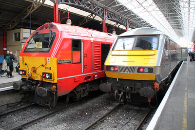 67018_82307 1813/1v53 Marylebone-Banbury sits along side 82301_67013 at Marylebone.