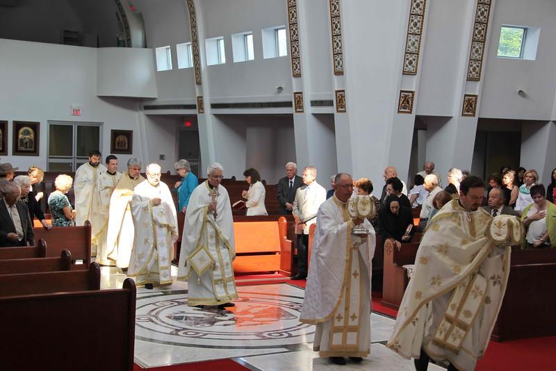 Sts. Constantine & Helen Liturgy (25).jpg