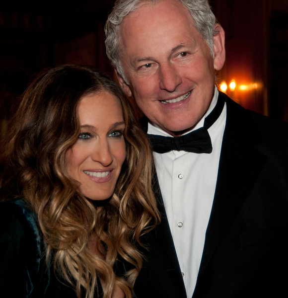 Sarah Jessica Parker with Gala Emcee, Victor Garber  (Photo Credit: Amy Y Lee)