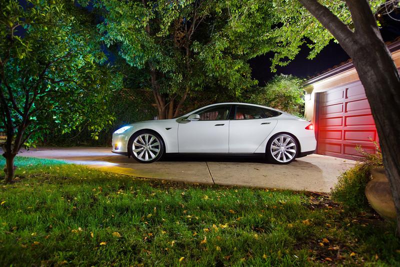 tesla model s driveway2