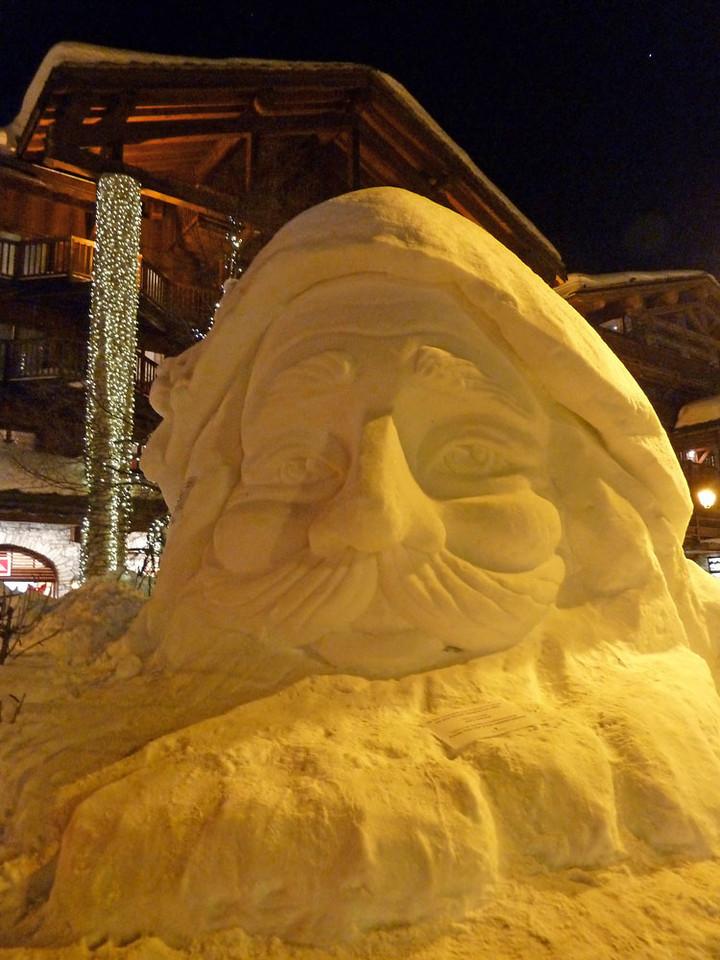 D2 Snow sculpture by JdeB