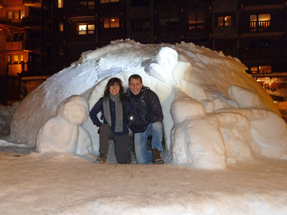 The Boss was keen to stay here on the main street but this igloo was very popular and already occupied.
