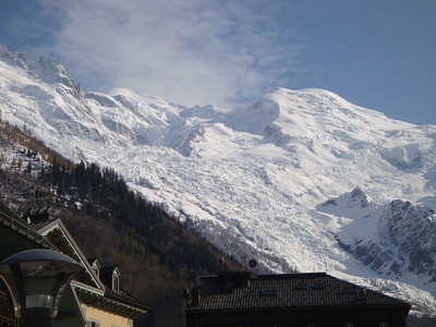 Chamonix Valley is surrounded by sheer mountain ranges on both sides. The highest peak visible here is Mt Blanc - at 4,807 m the highest in Europe. The Bossons Glacier here tumbles 2,500 m down to Chamonix, at 1,000 m.