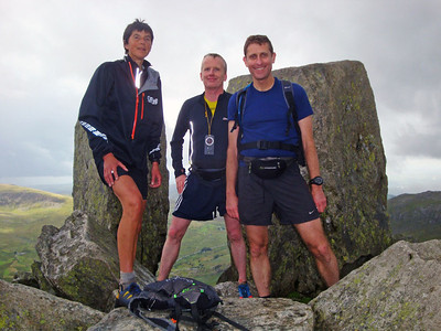 Meanwhile, back on the Glyderrau mountain range, we discovered Simon following us the wrong way up Tryfan. As we all headed for the true summit (shown here) after discovering our error he told us Steve and Karl had dropped out with injuries. Roger was now far ahead, and Ray was still behind us.
