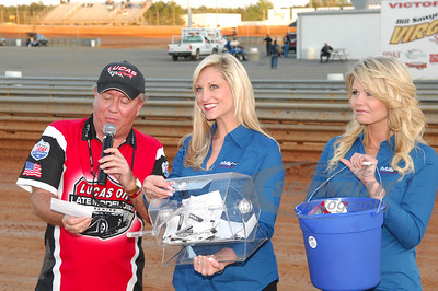 LOLMDS Announcer - James Essex with the MavTV Girls - Sacha Sturgill and Lacey Deese